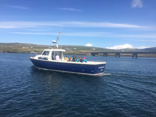 Skellig boats- Anchorsiveen heading for port